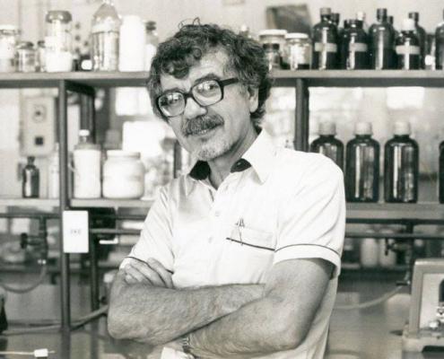 Imagen: Maturana, 1988. Archivo Cedoc.